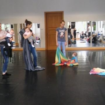 Mama&Baby czyli taniec z dzieckiem w chuście i nosidle
